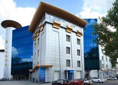 海啸水疗酒店 - 第聂伯罗彼得罗斯夫斯克 - 建筑