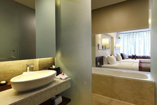 巴厘岛水印Spa酒店 - 库塔 - 浴室