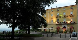 西娜布鲁法尼酒店 - 佩鲁贾 - 建筑