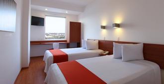 苏尔万克雷塔罗中央酒店 - 克雷塔罗 - 睡房