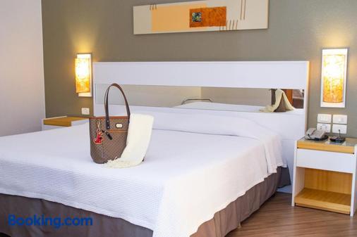 布里斯托巴西500酒店 - 库里提巴 - 睡房