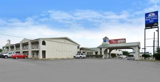 Americas Best Value Inn Beaumont/I-10 - 博蒙特 - 建筑