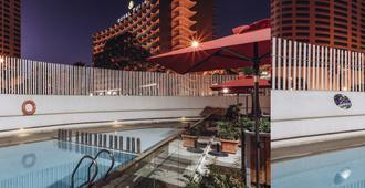 宜必思丹吉尔市中心酒店 - 丹吉尔 - 游泳池