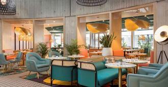 巴黎戴高乐机场诺富特酒店 - 鲁瓦西昂法兰西 - 休息厅