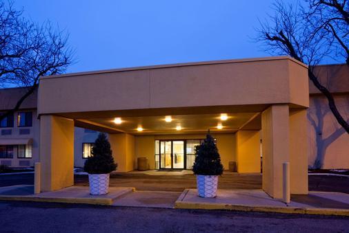 布卢明顿明尼阿波利斯机场拉金塔酒店 - 布卢明顿 - 建筑