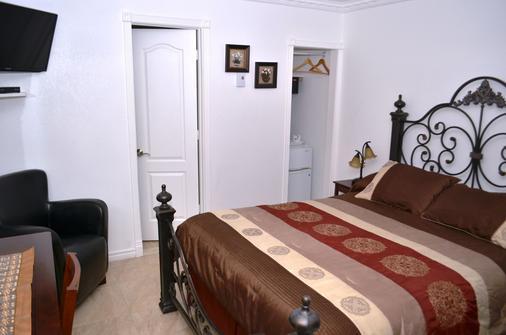 加蒂诺丽思汽车旅馆 - 加蒂诺 - 睡房