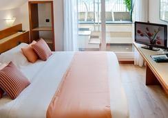 贝斯特韦斯特蕾佳娜埃莱娜酒店 - 圣玛格丽塔-利古雷 - 睡房