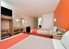 麦金尼6号汽车旅馆 - 麦金尼 - 睡房