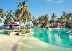 万鸦老塔特尼度假及会议中心美居酒店 - 万鸦老 - 游泳池
