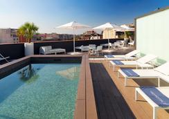 H10卡萨诺瓦酒店 - 巴塞罗那 - 游泳池