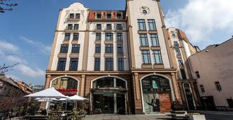 里乌斯酒店 - 利沃夫 - 建筑