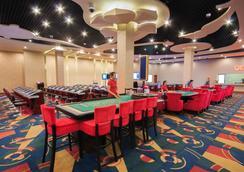 坦苏尔索克哈酒店 - 贡布 - 赌场