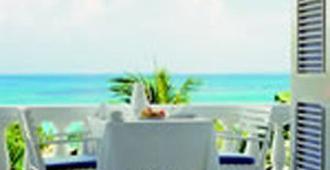 牙买加旅馆 - 欧丘里欧 - 阳台