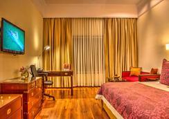 阿姆巴德杰特威酒店 - 纳西克 - 睡房