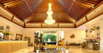 新桑娜瑞罗维纳海滩度假村 - 新加拉惹 - 大厅