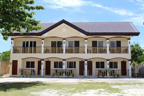 马拉帕斯加星光度假酒店 - 达安班塔延 - 建筑