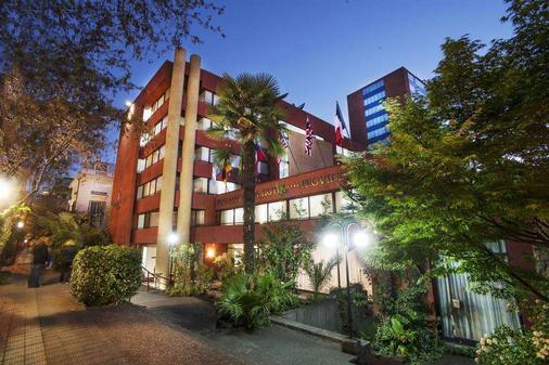 帕纳美丽嘉纳普罗维登西亚酒店 - 圣地亚哥 - 建筑