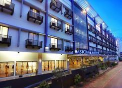 阿斯顿坤甸酒店及会议中心 - 坤甸 - 建筑
