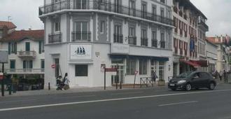 巴黎布里特酒店 - 圣让-德吕兹