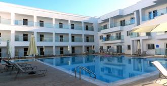 艾瓦贝拉纳帕公寓 - 圣纳帕 - 游泳池