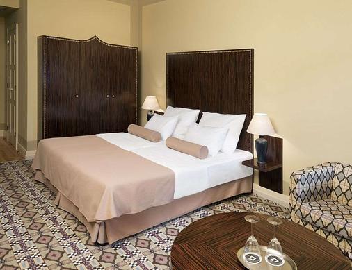 格兰迪萨豪华宫殿酒店 - 布尔诺 - 睡房