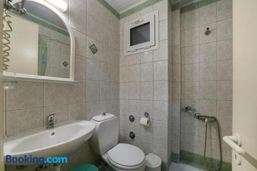 海豚酒店 - 帕特雷 - 浴室