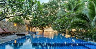 龟岛赛利小屋度假村 - 龟岛 - 游泳池