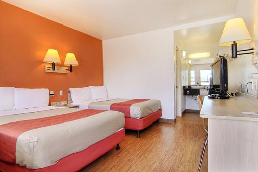 圣安吉洛六号汽车旅馆 - 圣安杰罗 - 睡房