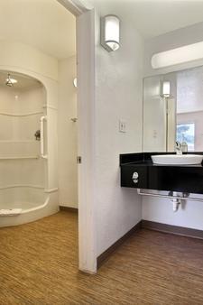 圣安吉洛六号汽车旅馆 - 圣安杰罗 - 浴室