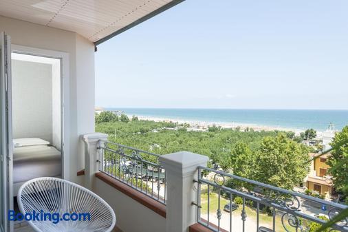 大西洋海岸酒店 - 米萨诺阿德里亚蒂科 - 阳台