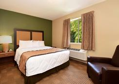 美国长住酒店 - 托莱多 - 莫米 - 莫米 - 睡房