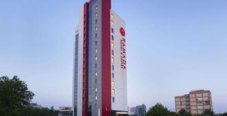 伊斯坦布尔阿塔科伊华美达大酒店 - 伊斯坦布尔 - 建筑