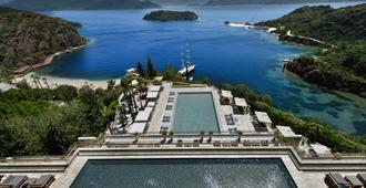 D玛丽斯湾度假屋 - 马尔马里斯 - 游泳池
