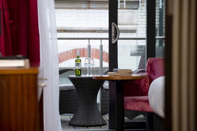 海伍德别墅酒店-贝斯特韦斯特签名典藏酒店 - 利物浦 - 酒吧