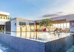 星享道酒店 - 台中 - 游泳池
