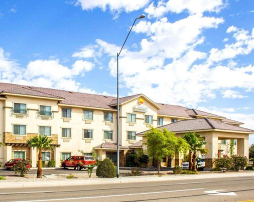 Comfort Inn and Suites Yuma I-8 - 优马 - 建筑