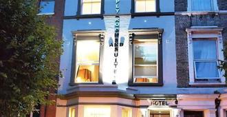 简单客房套房酒店 - 伦敦 - 建筑