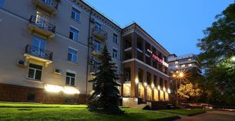 奥博瑞格酒店 - 基辅