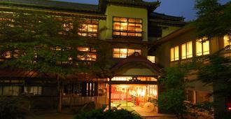 铅温泉富士山日式旅馆 - 花卷市