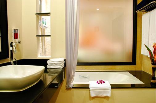 卡伦海滩地平线温泉度假酒店 - 卡伦海滩 - 浴室