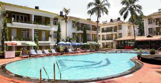 阿洛格兰德假日酒店 - 坎多林 - 游泳池