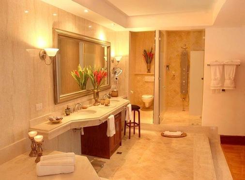 帕尔马皇家酒店及赌场 - 圣荷西 - 浴室