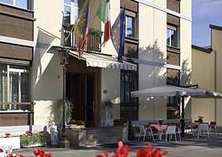 奥托斯拉达酒店 - 帕多瓦