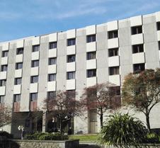 国敦普利茅斯酒店