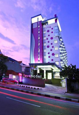 桑努尔阿里芬加达玛达菲芙酒店 - 雅加达 - 建筑
