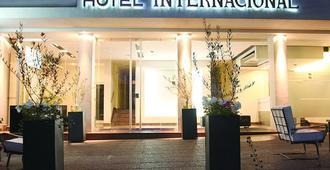 国际酒店 - 门多萨 - 建筑
