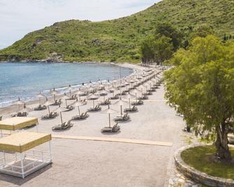 马尔马俱乐部酒店 - 阿克亚拉尔 - 海滩