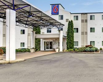 罗斯堡 6 号汽车旅馆 - 罗斯堡 - 建筑