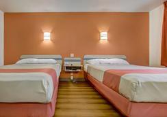 罗斯堡 6 号汽车旅馆 - 罗斯堡 - 睡房