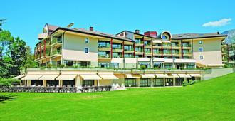 马尔利奥布洛斯别墅Spa酒店 - 艾克斯莱班 - 建筑